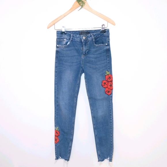 Zara Floral embroidered Jeans